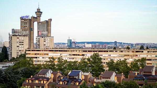 Panorama Novog Beograda sa Geneks kulom